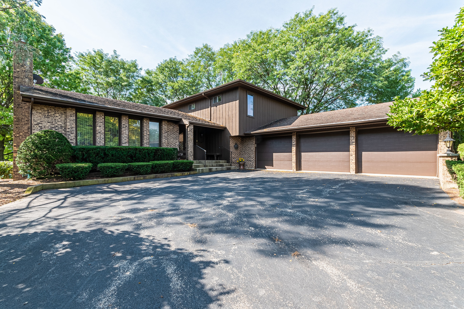 30 Revere Drive, South Barrington, Illinois