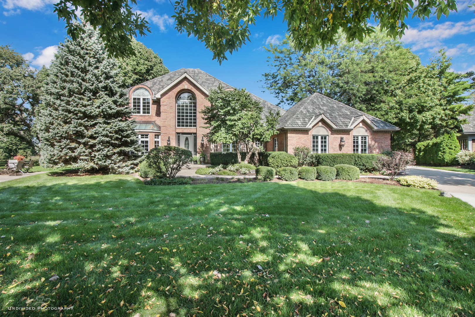 7118 Brae Court, Gurnee, Illinois