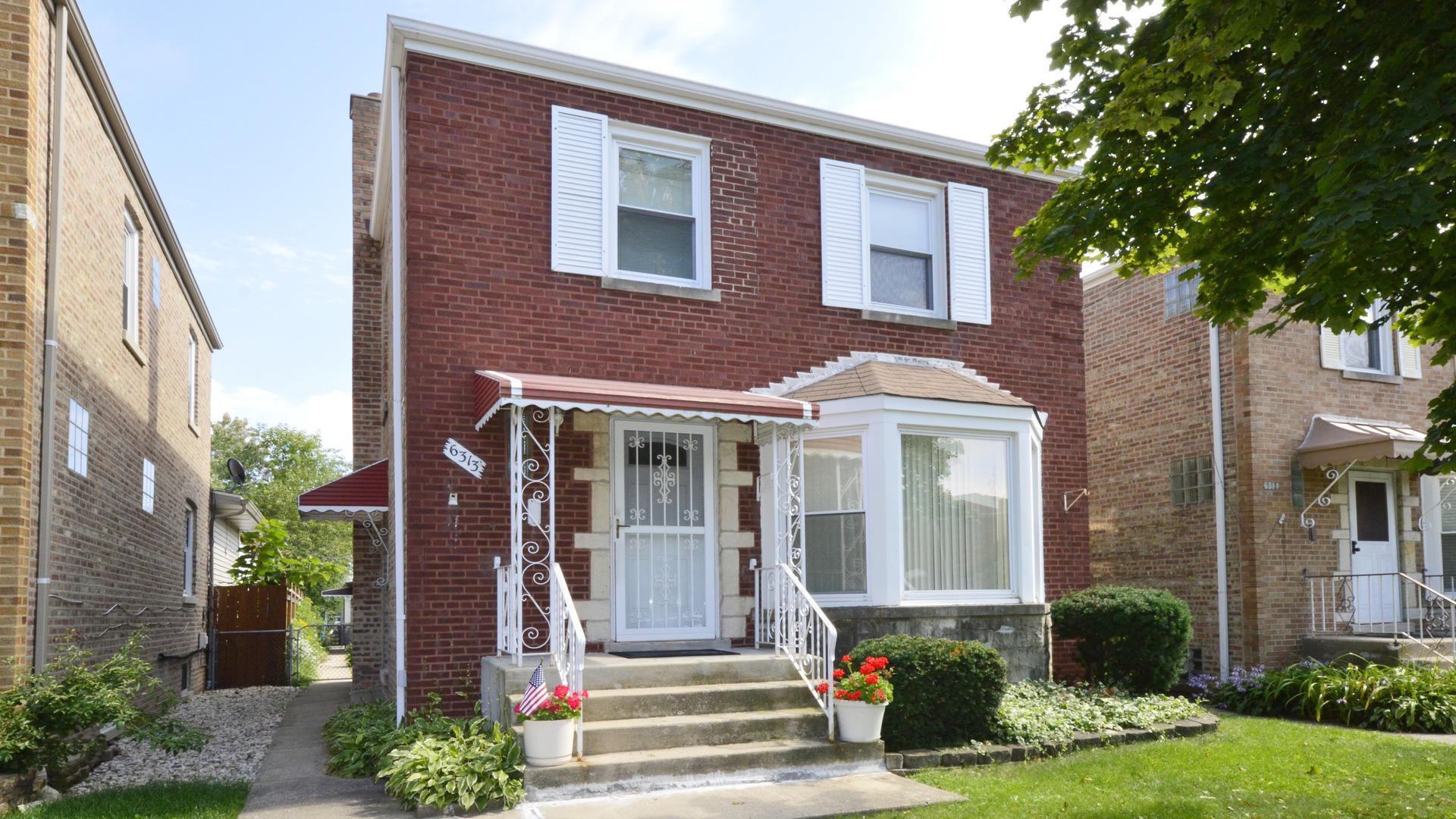 6313 North Ridgeway Avenue, North Park Chicago, Illinois