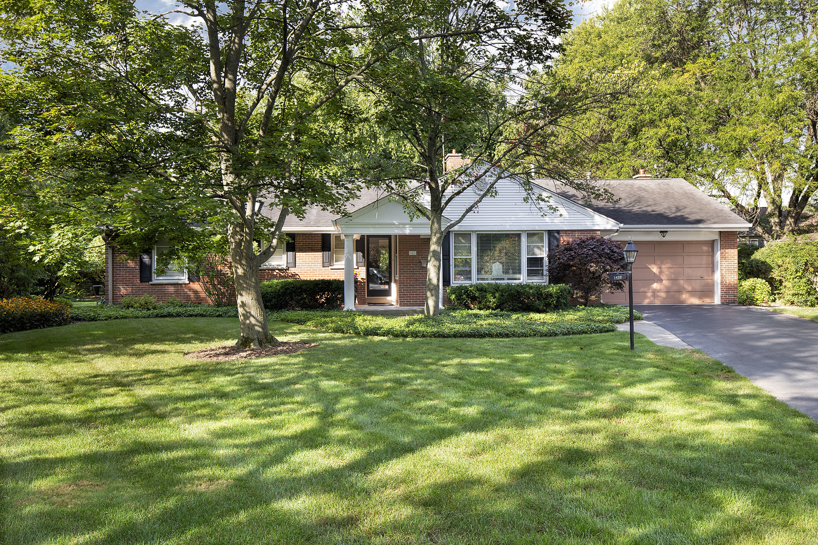 1439 Kenilworth Lane, Glenview in Cook County, IL 60025 Home for Sale