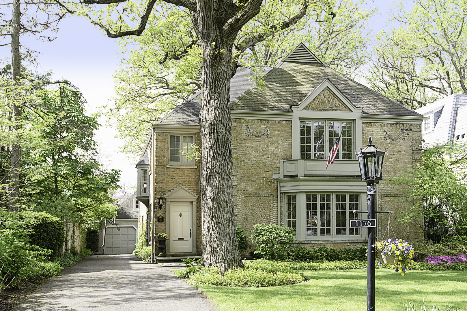 1176 Chatfield Road, Winnetka, Illinois