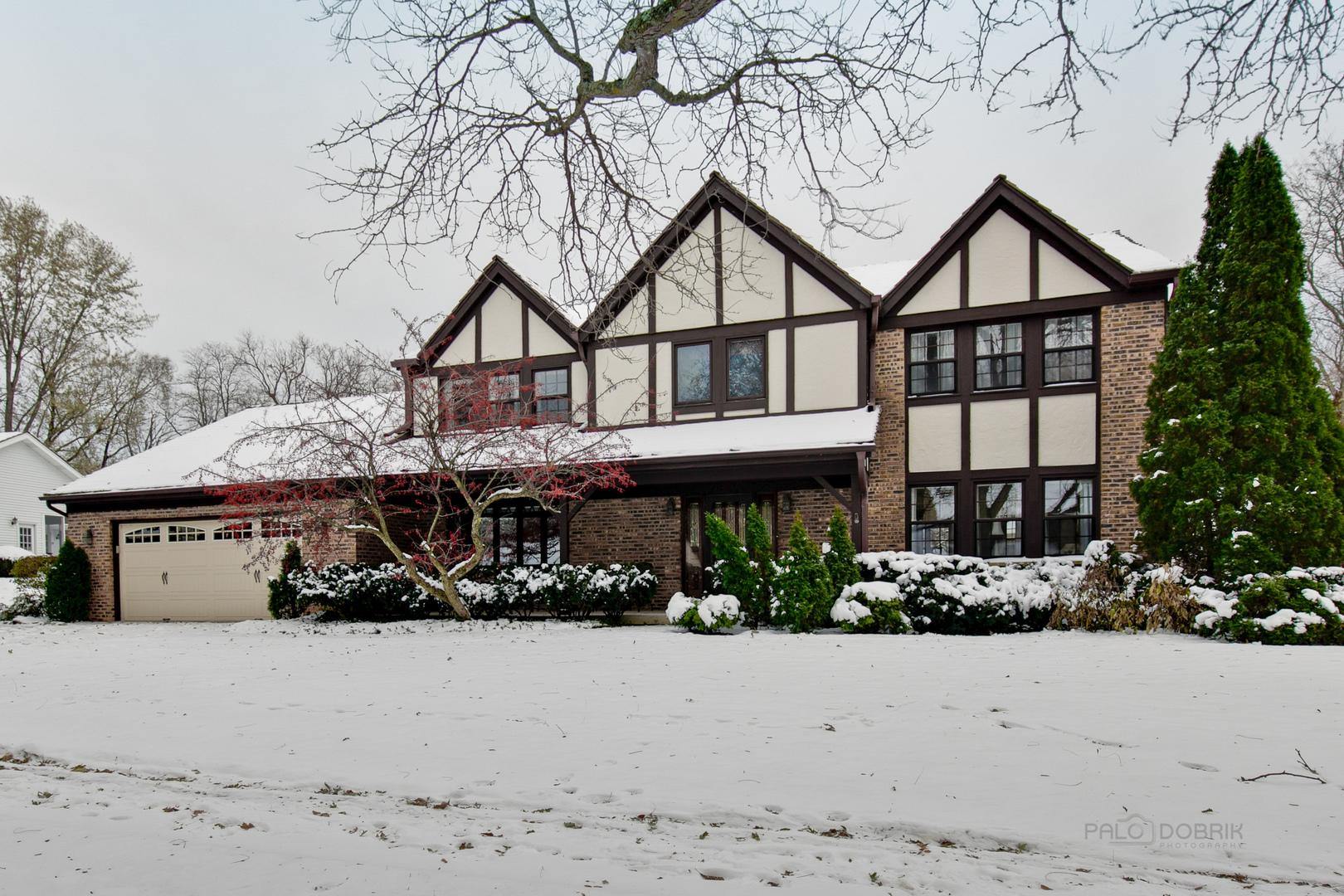 640 Innsbruck Court, Libertyville, Illinois