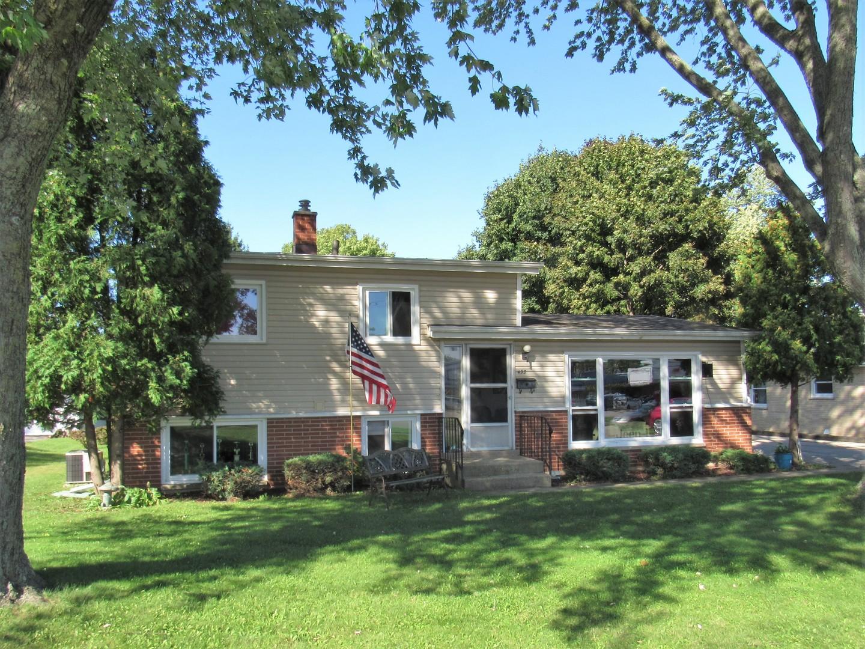 493 Orchard Street, Antioch, Illinois