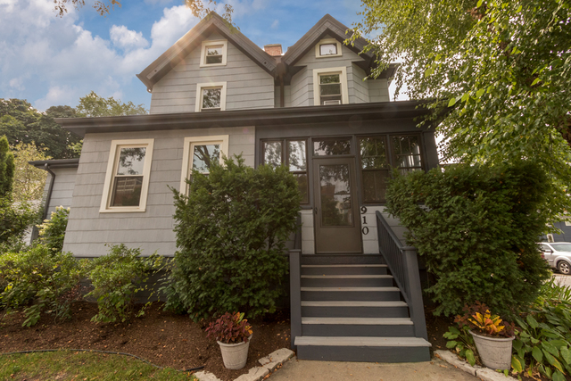 910 LAKE Street 60201 - One of Evanston Homes for Sale