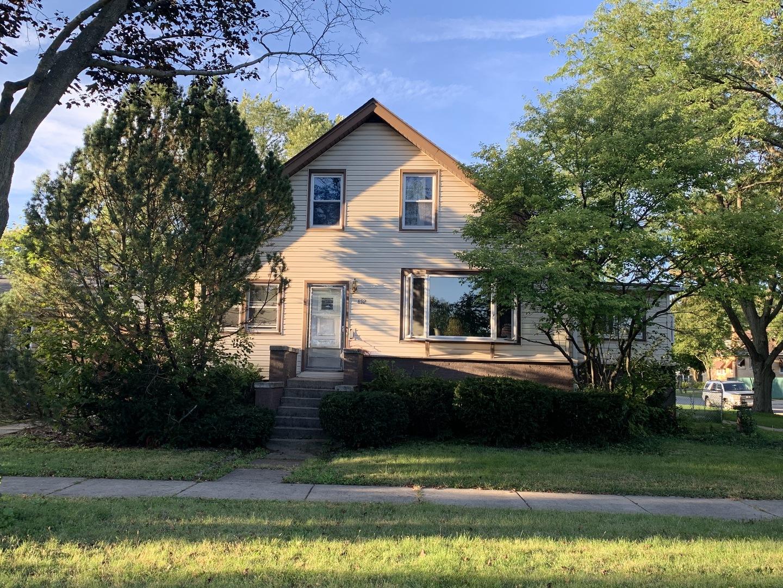 892 Woodlawn Avenue, Des Plaines, Illinois