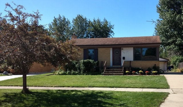 570 Amherst Avenue, Des Plaines, Illinois