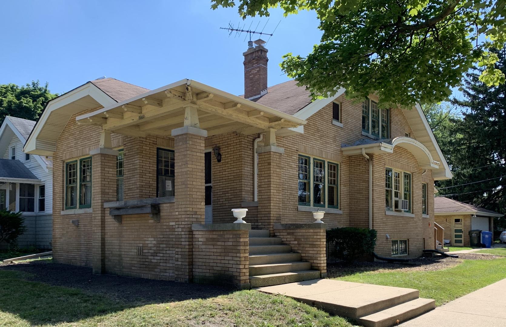 1200 White Street, Des Plaines, Illinois
