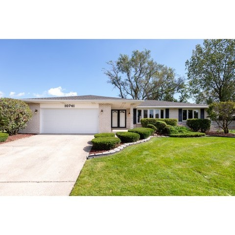 10741 East Doric Circle, Palos Hills, Illinois