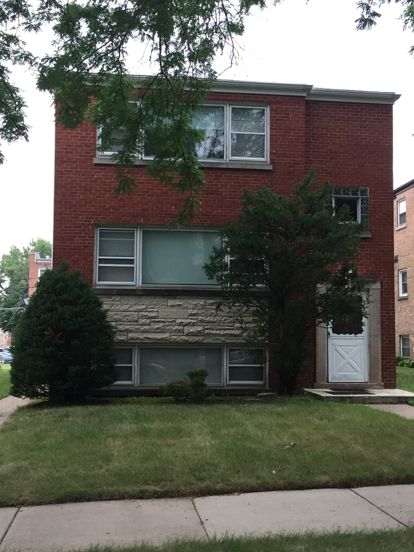 4821 Crain Street, Skokie, Illinois