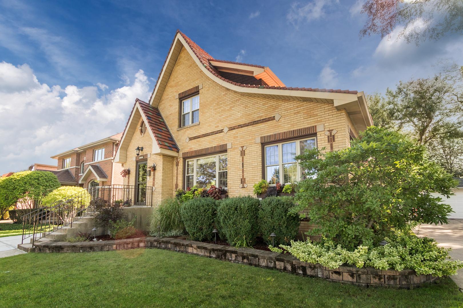 1305 Courtland Avenue, Park Ridge in Cook County, IL 60068 Home for Sale