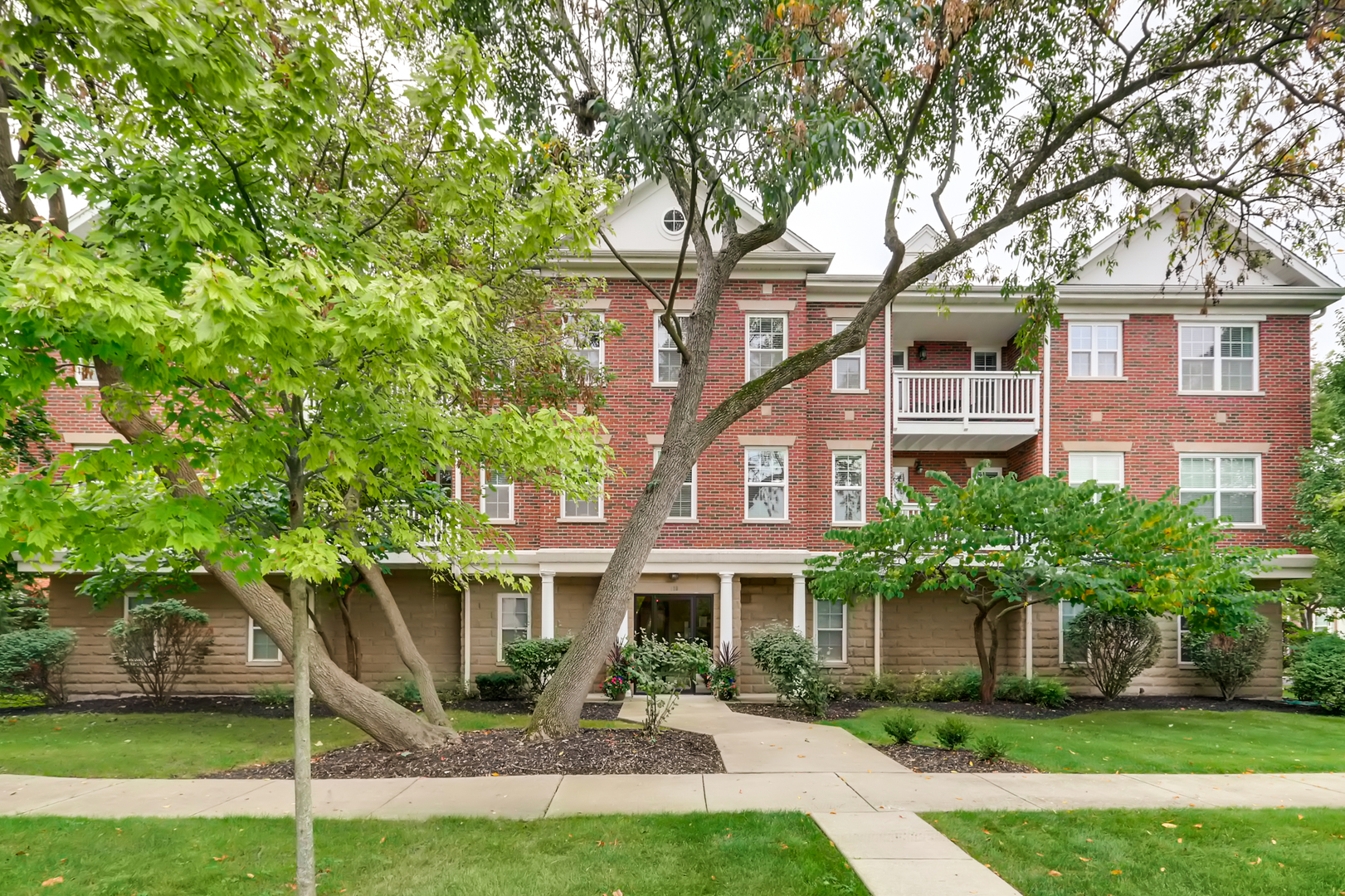 120 North CLIFTON Avenue, Park Ridge in Cook County, IL 60068 Home for Sale
