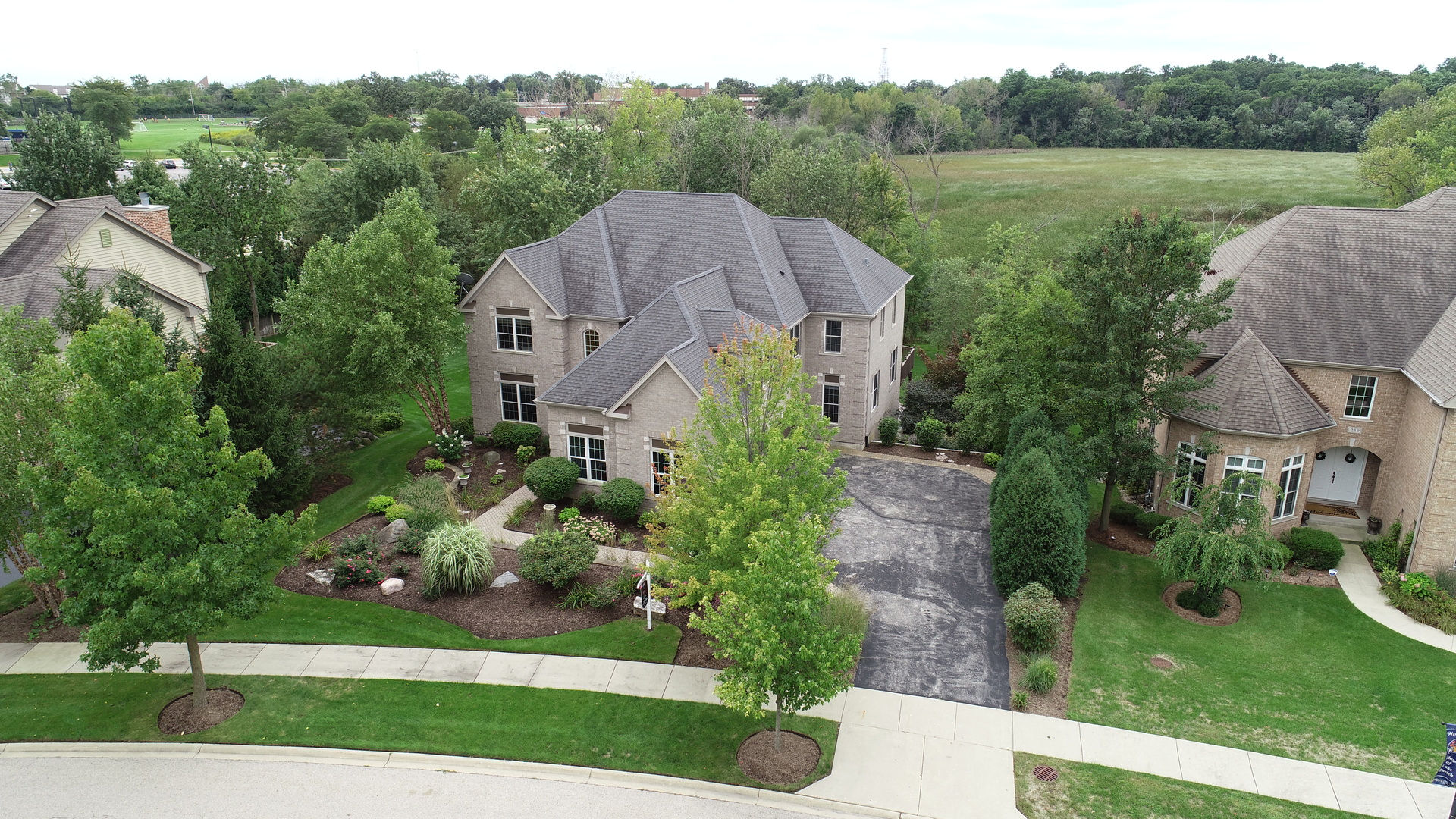 267 Clair View Court, Lake Zurich, Illinois