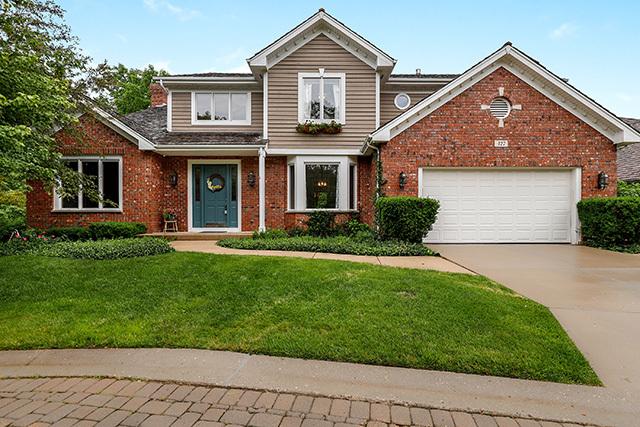 327 Carriage Hill Circle, Libertyville, Illinois