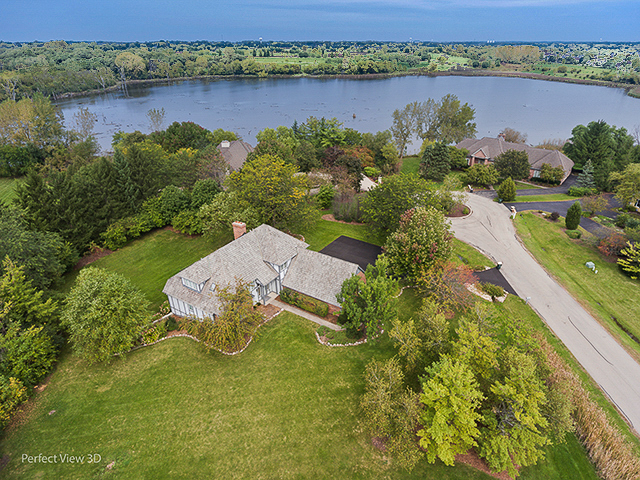 26812 North Longmeadow Court, Mundelein, Illinois