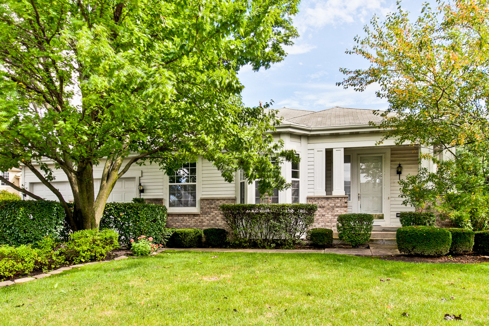 2281 Madiera Lane, Buffalo Grove, Illinois