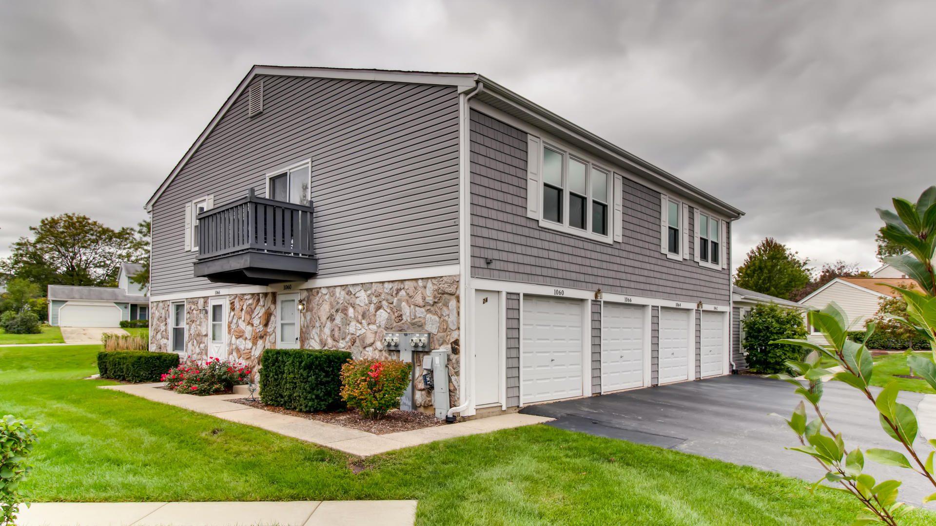 1060 Glouchester Harbor, Schaumburg in Cook County, IL 60193 Home for Sale