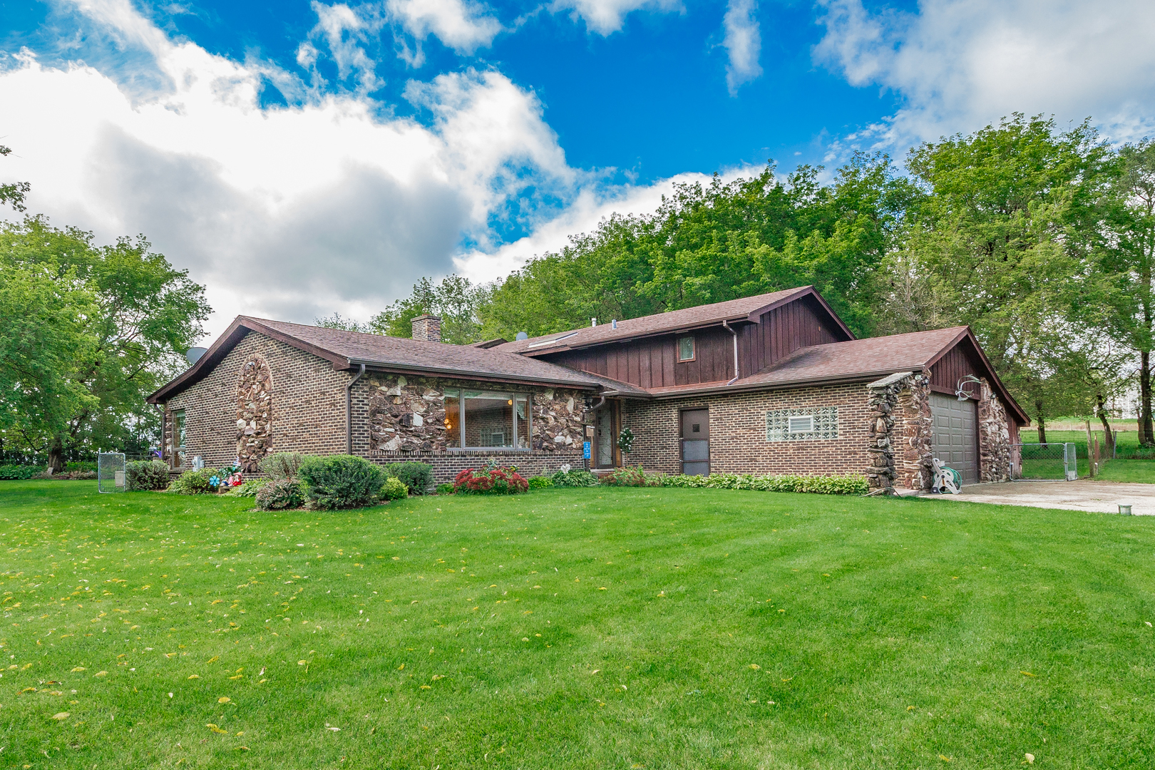 4545 Nunda Avenue, Crystal Lake, Illinois