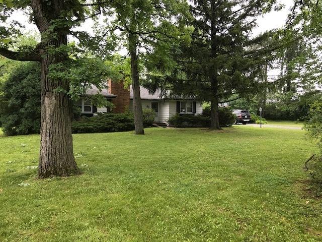 929 Northwoods Road, Deerfield, Illinois