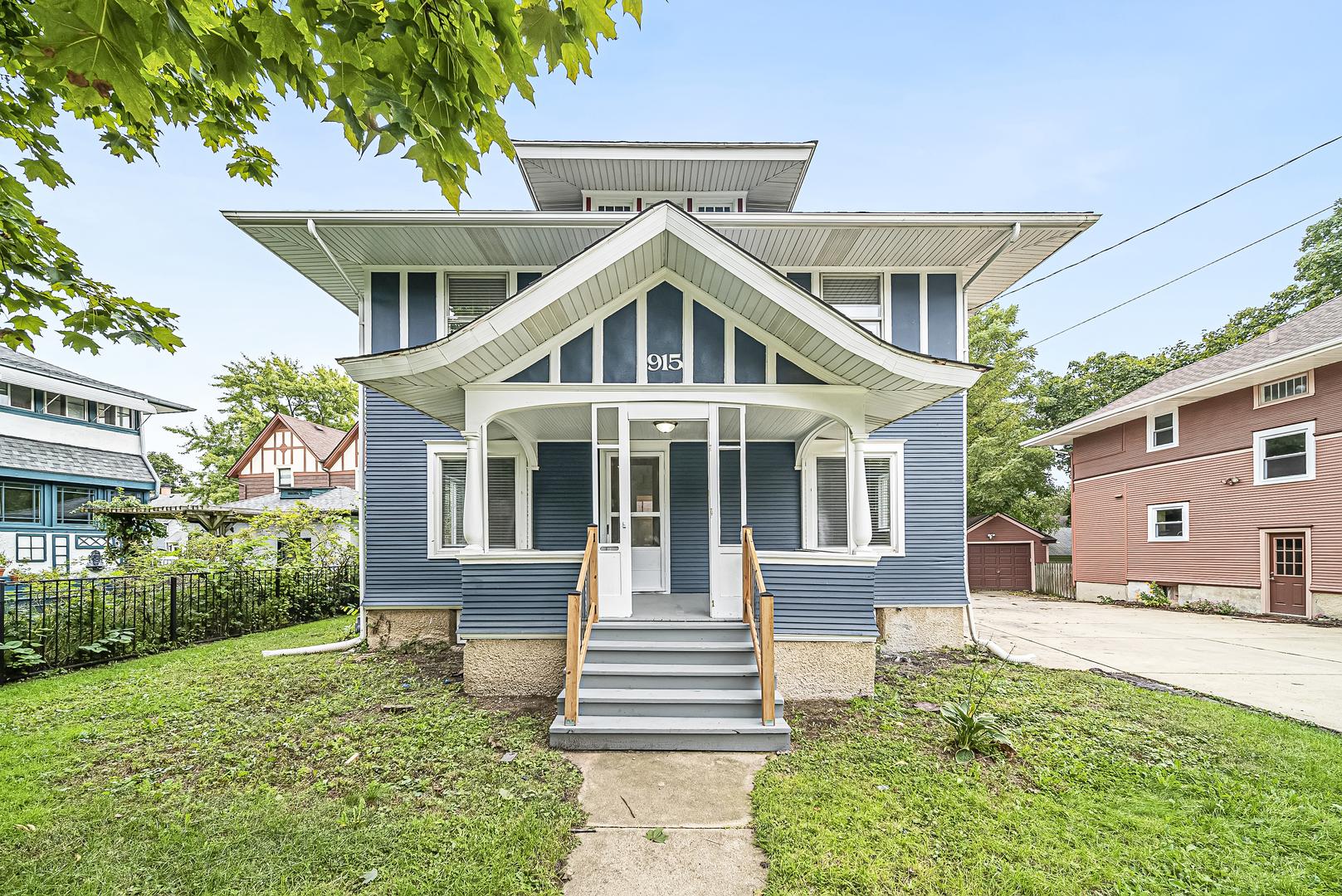 915 Larkin Avenue, Elgin, Illinois
