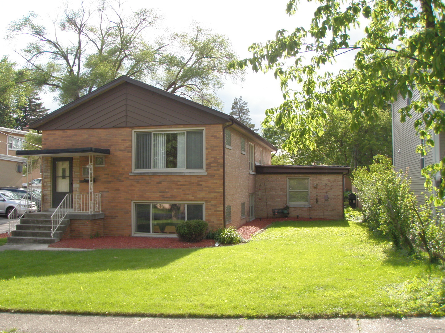 5008 Florence Avenue, Downers Grove, Illinois