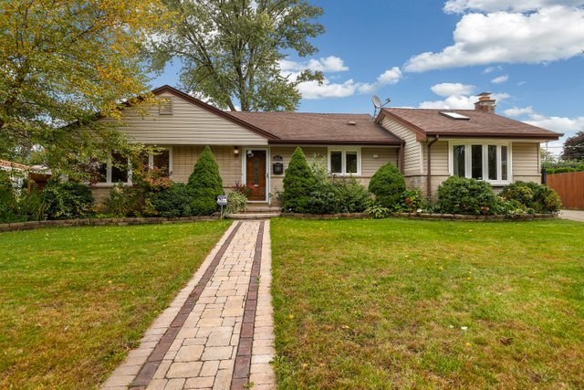317 Michael Manor, Glenview in Cook County, IL 60025 Home for Sale