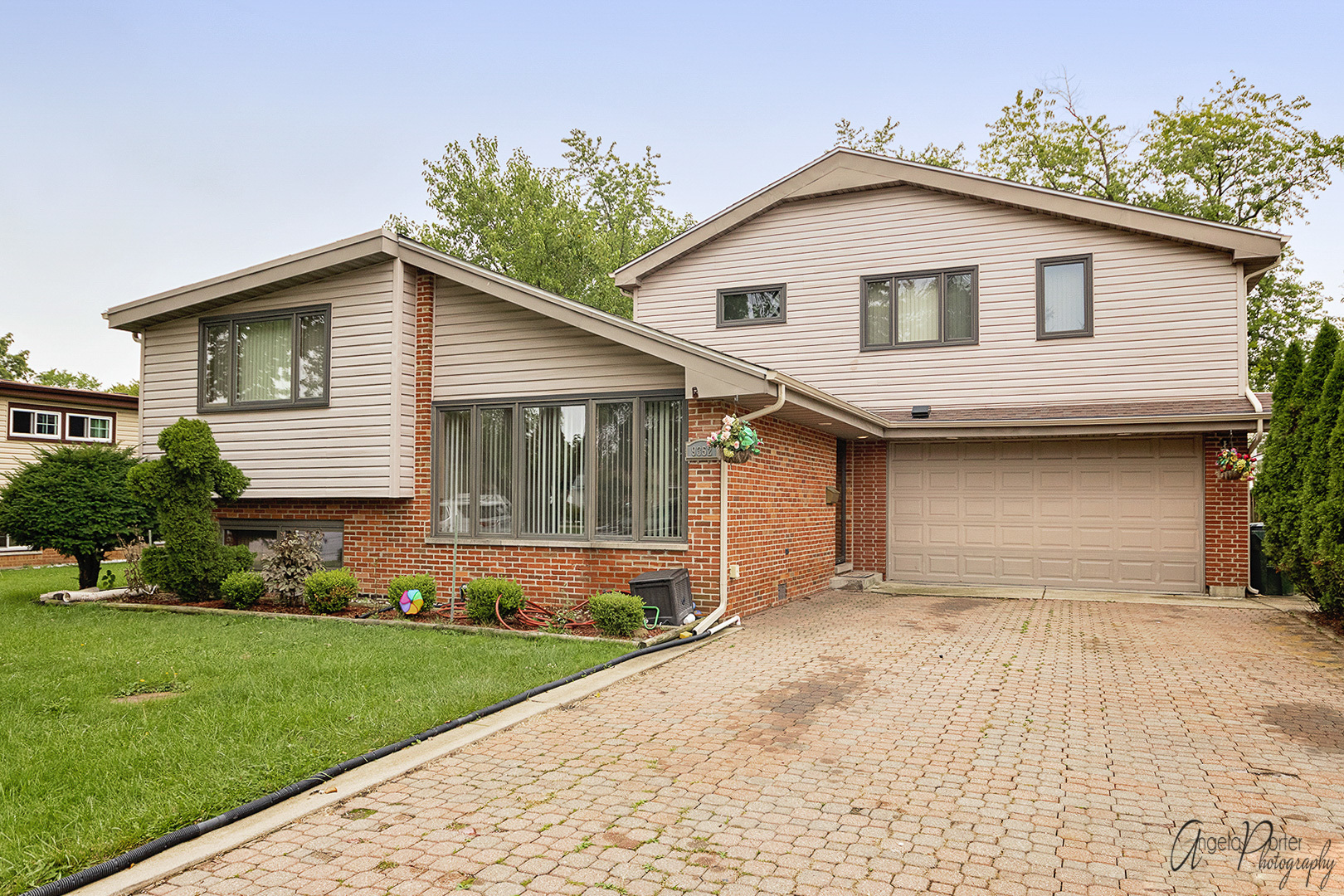 9352 Shermer Road, Morton Grove, Illinois