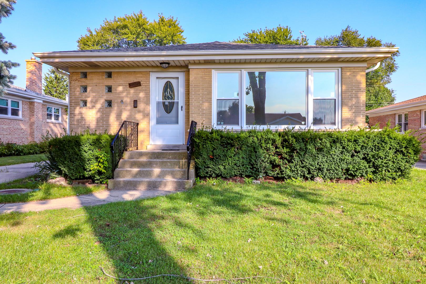 8727 North Ozanam Avenue, Niles, Illinois