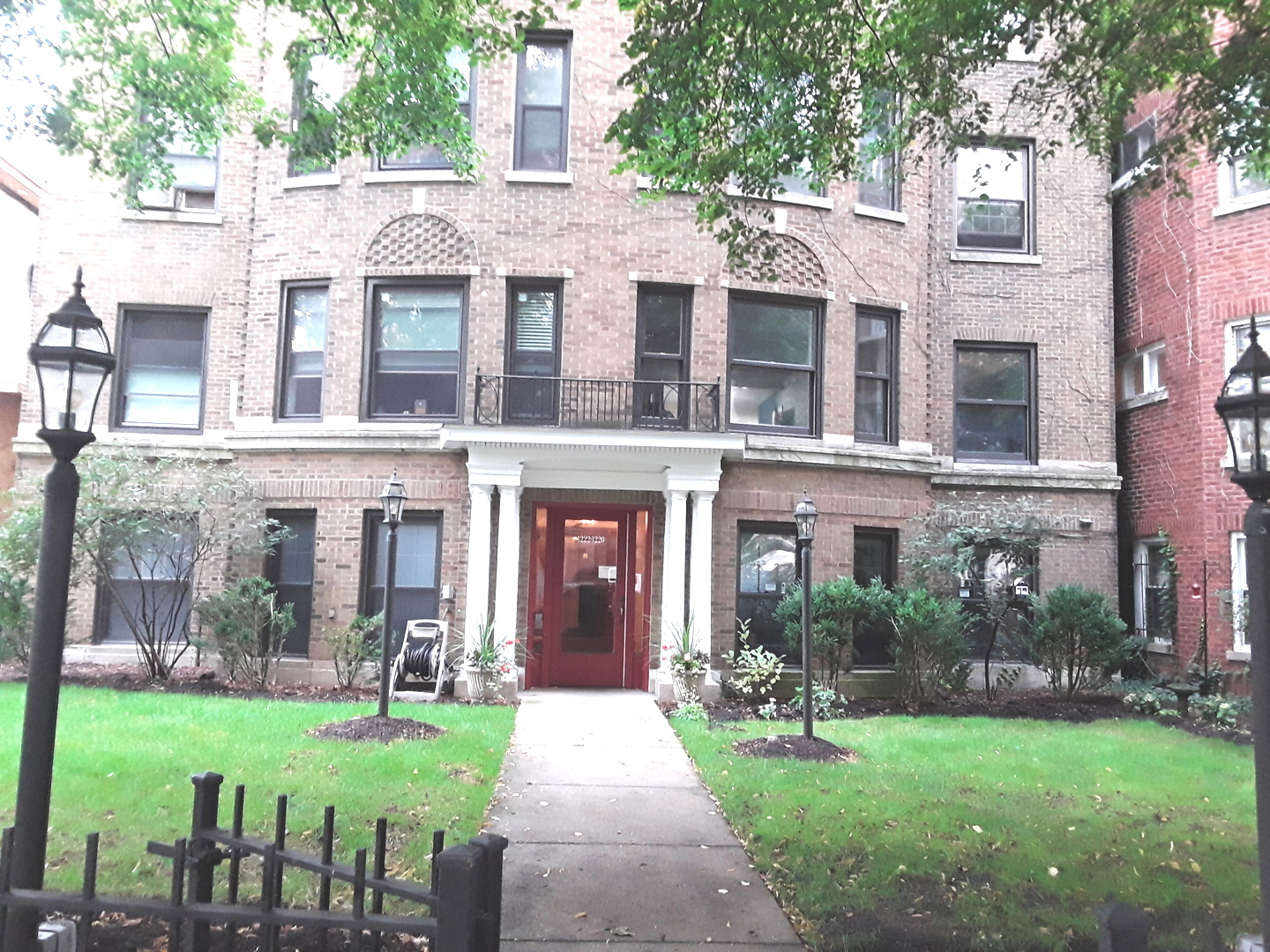 One of Rogers Park 3 Bedroom Homes for Sale at 1220 West Sherwin Avenue