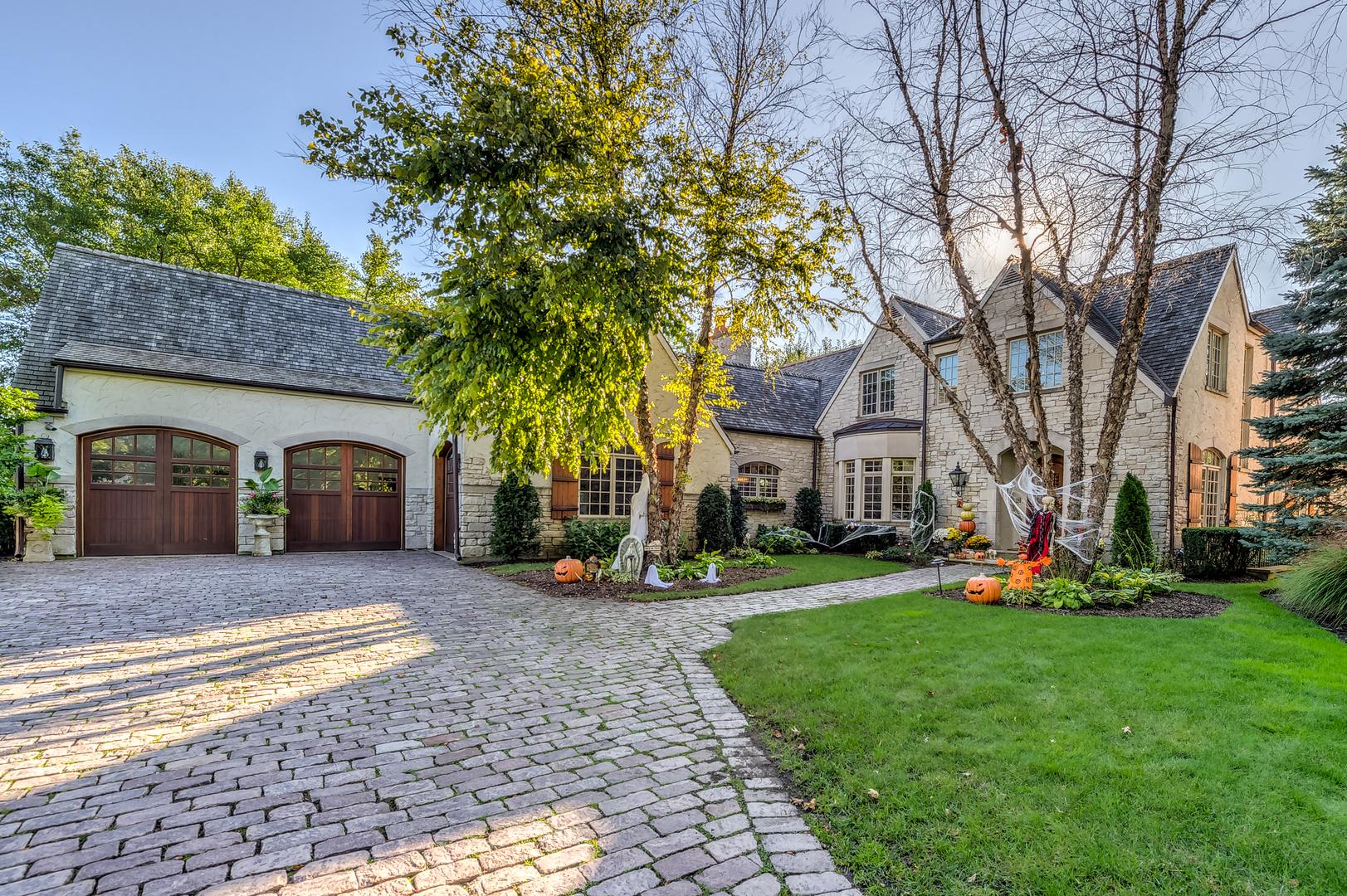 701 Edgemont Lane, Park Ridge, Illinois 6 Bedroom as one of Homes & Land Real Estate