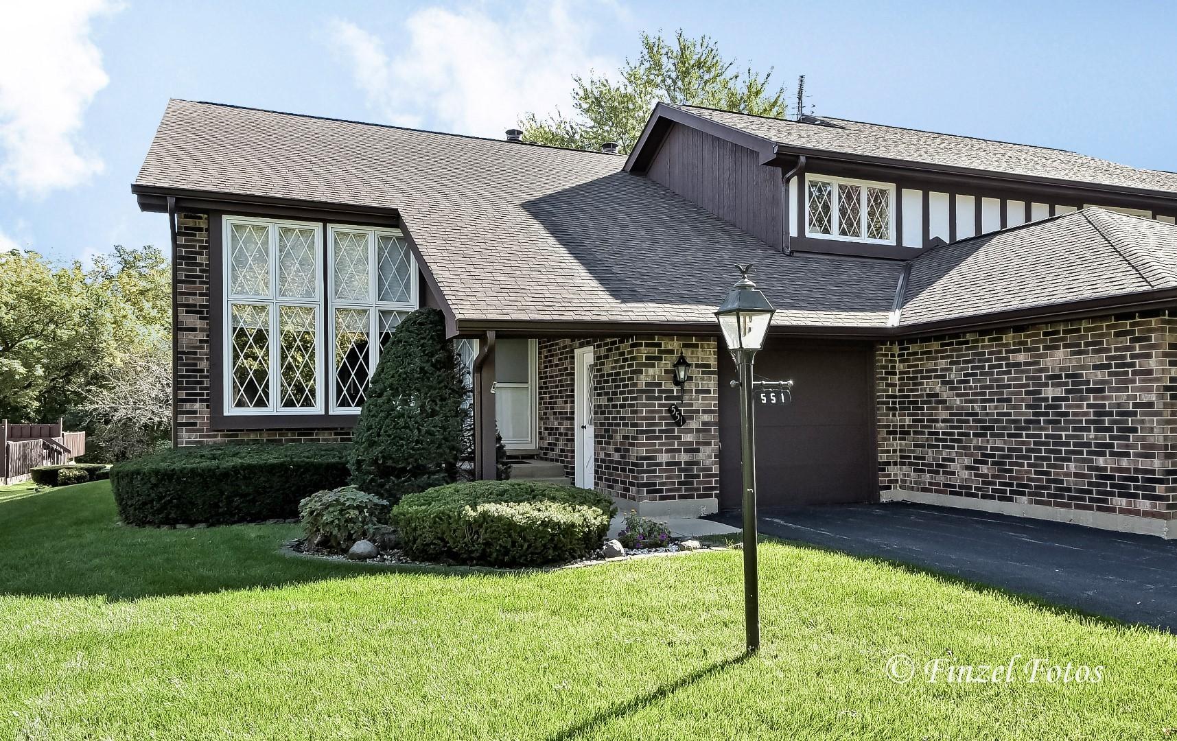 551 Cress Creek Lane, Crystal Lake, Illinois