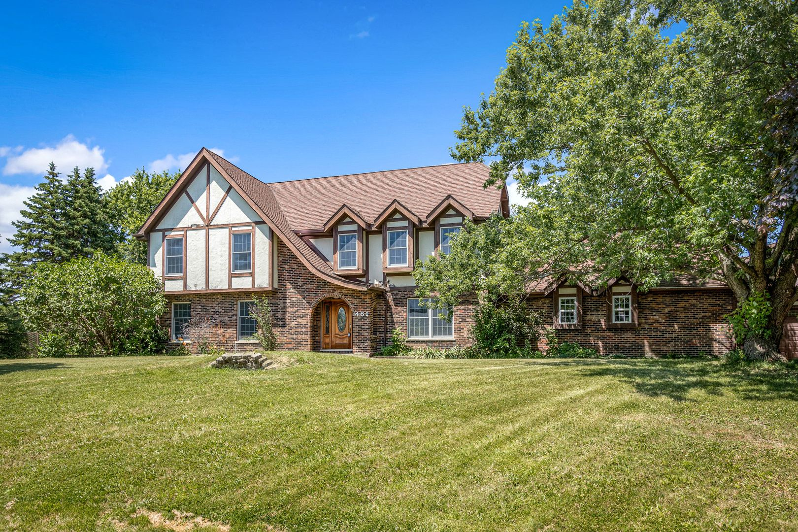 481 MALLARD Court, Bloomingdale, Illinois