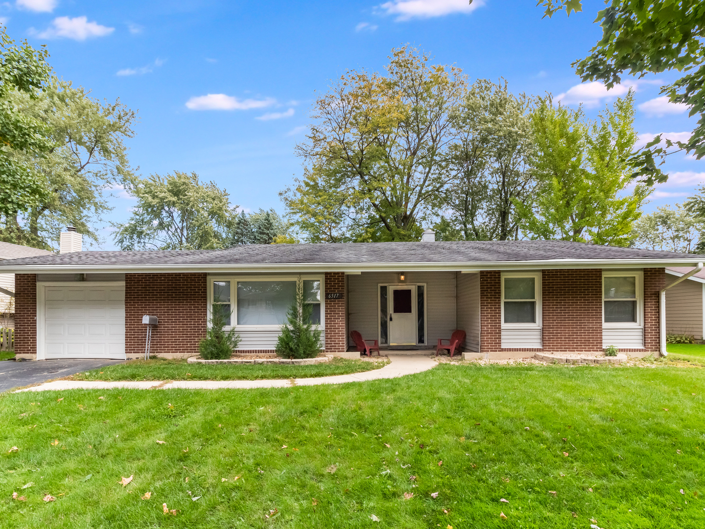 6517 Taylor Drive, Woodridge, Illinois