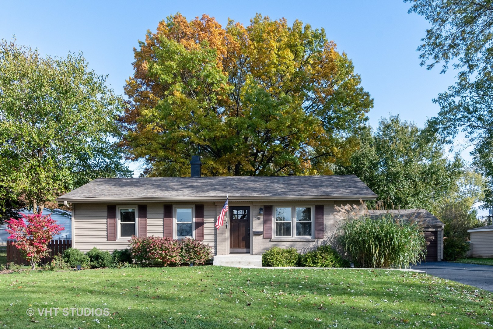 7525 Westview Lane, Woodridge, Illinois