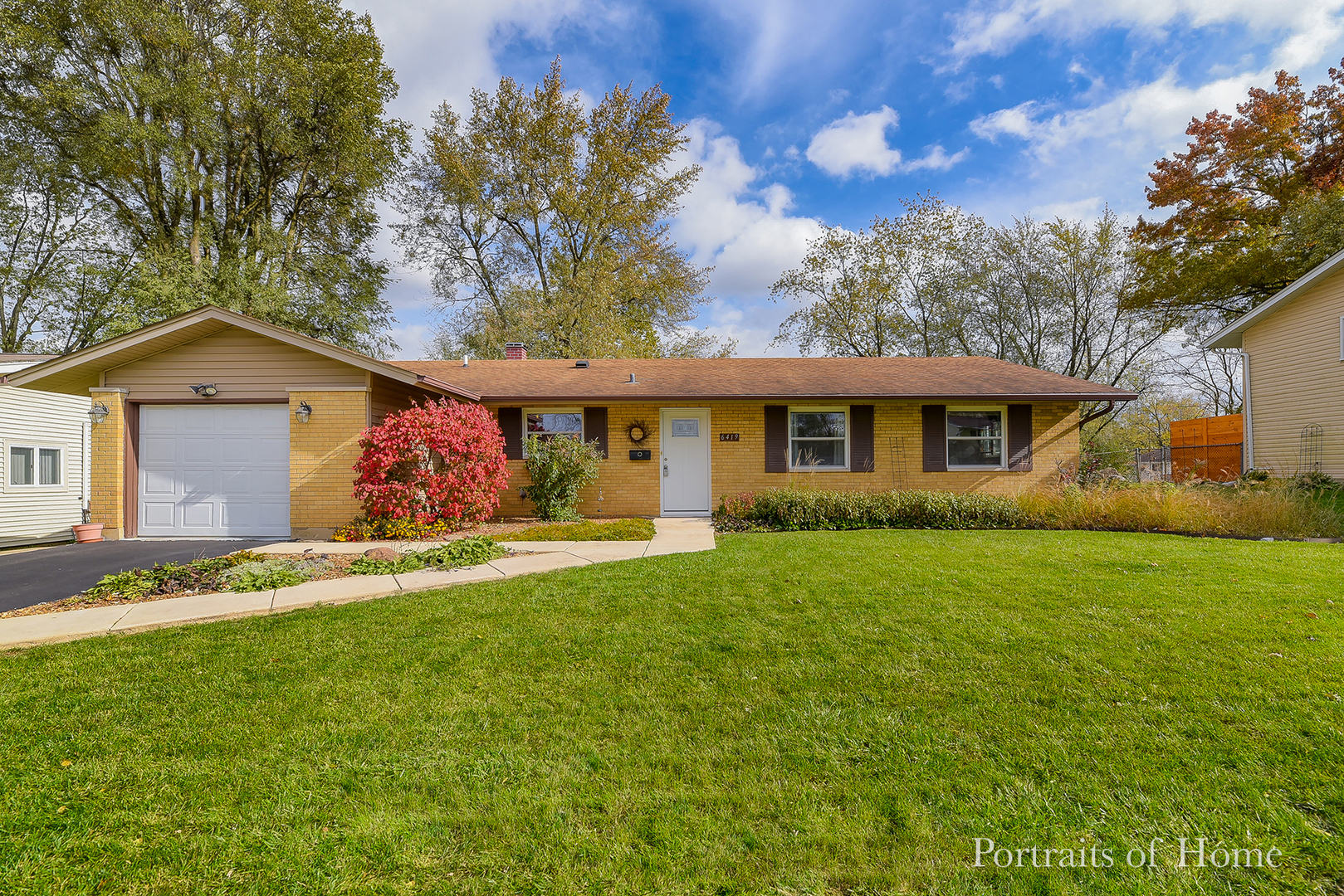 6419 Halsey Drive, Woodridge, Illinois