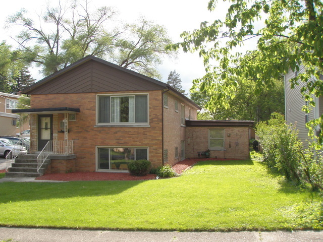 5008 Florence Avenue, one of homes for sale in Downers Grove