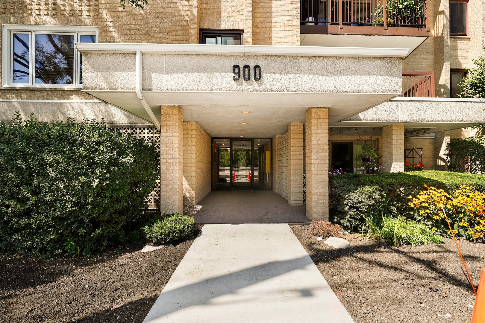900 South River Road 60016 - One of Des Plaines Homes for Sale