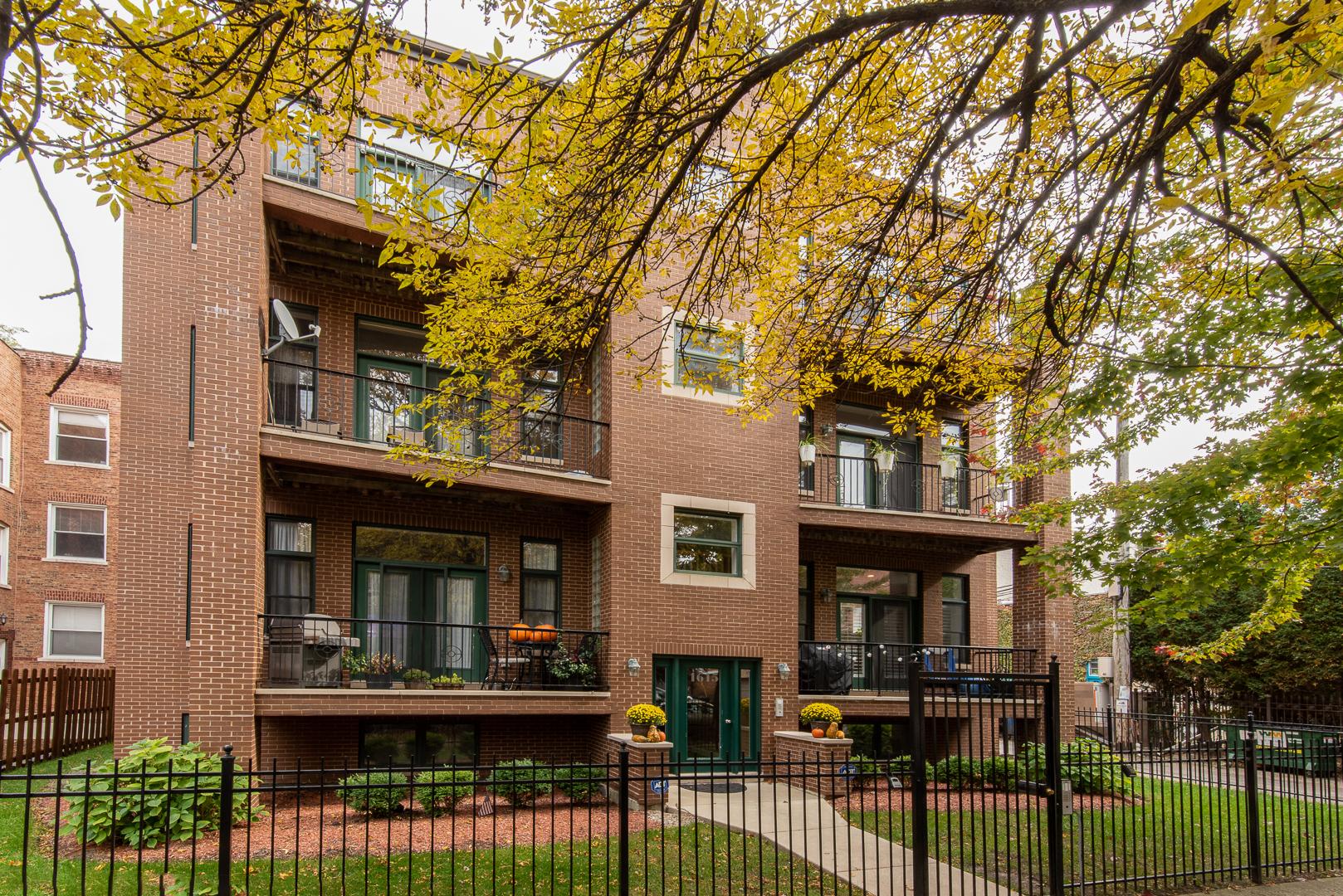 1615 North Claremont Avenue, Logan Square, Illinois