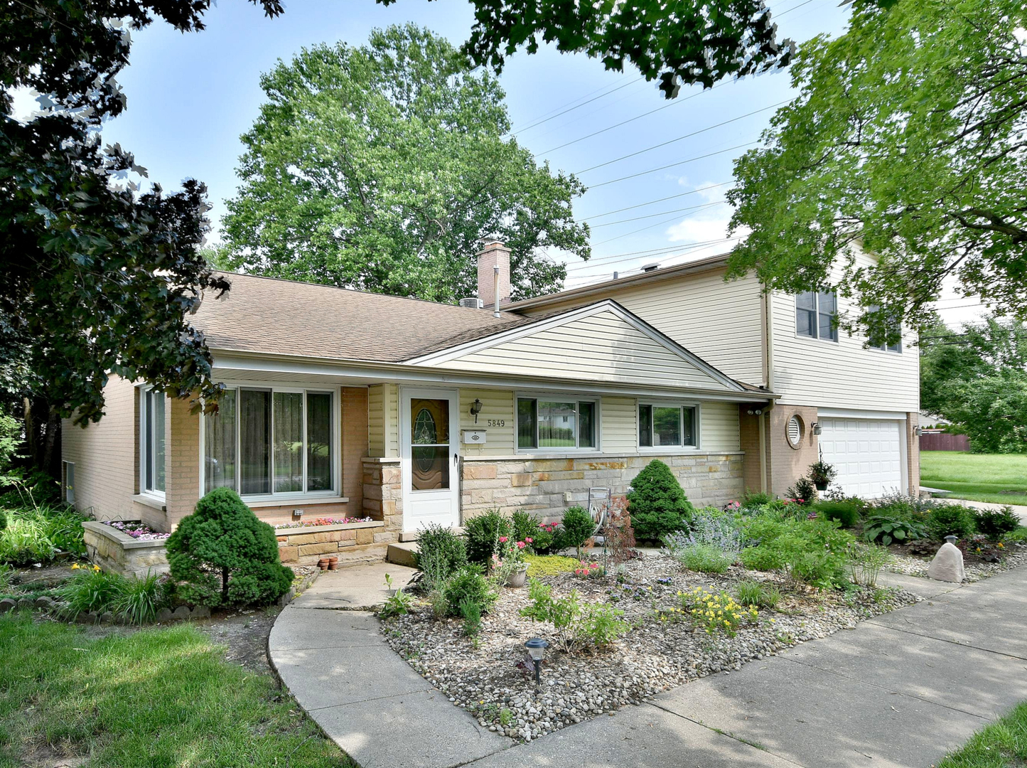 5849 Emerson Street, Morton Grove, Illinois