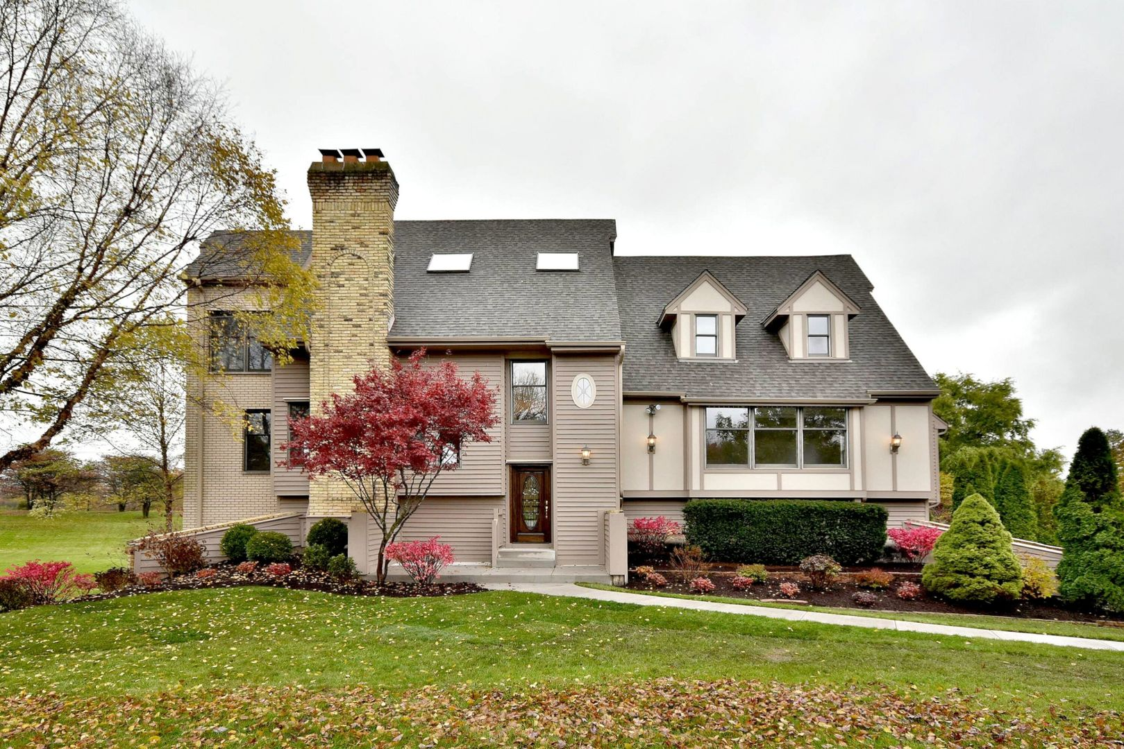 6 Brookhaven Circle, South Barrington in Cook County, IL 60010 Home for Sale