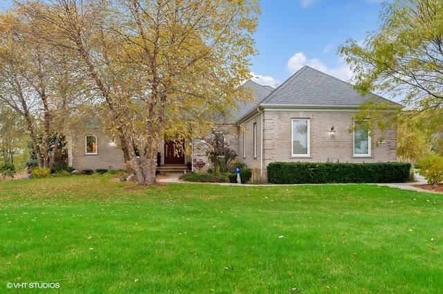 563 Birch Hollow Drive, Antioch, Illinois
