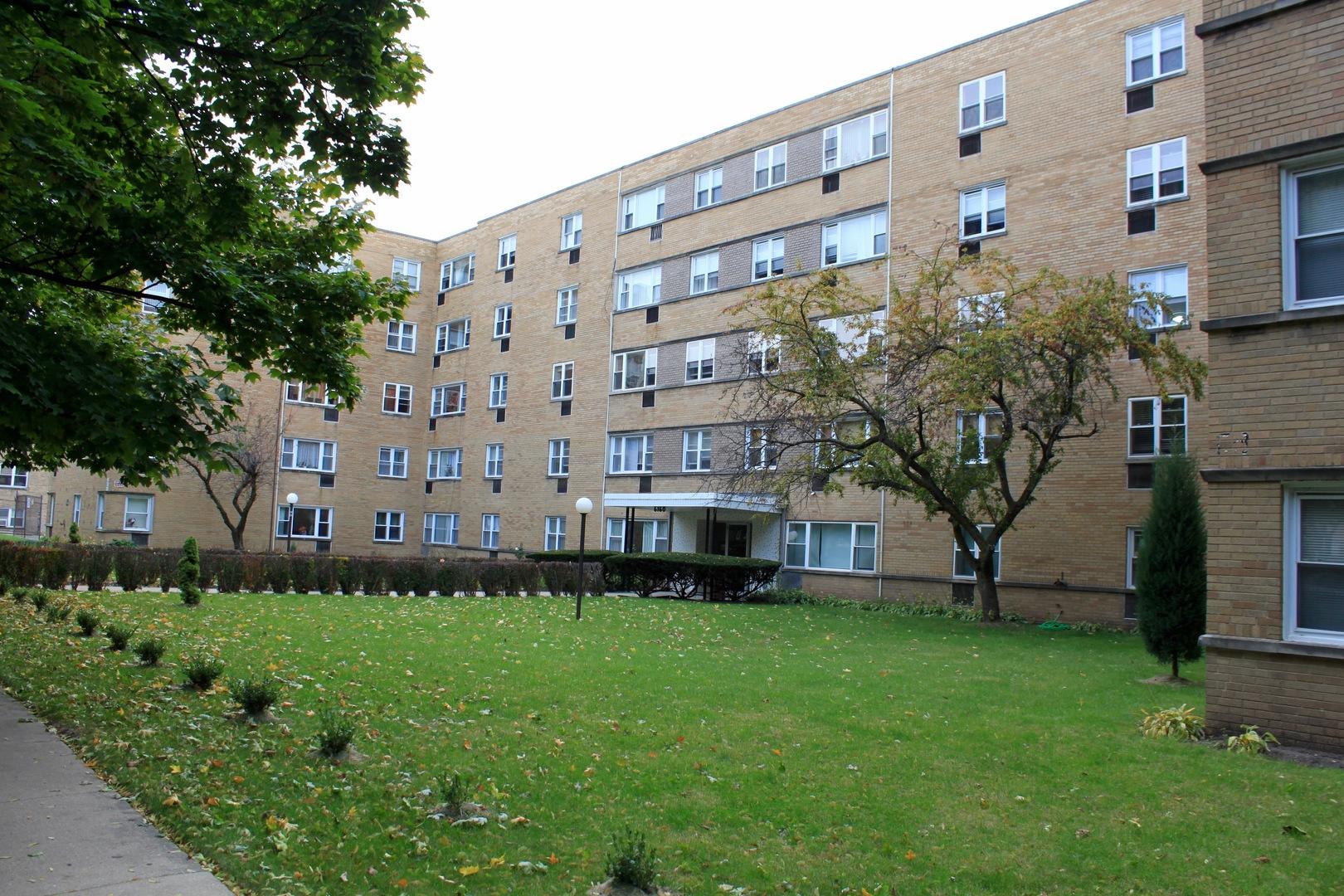 6160 North Damen Avenue, North Park Chicago, Illinois