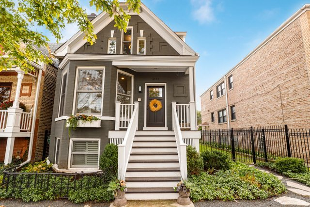 One of Bucktown 4 Bedroom Homes for Sale at 2133 West Superior Street