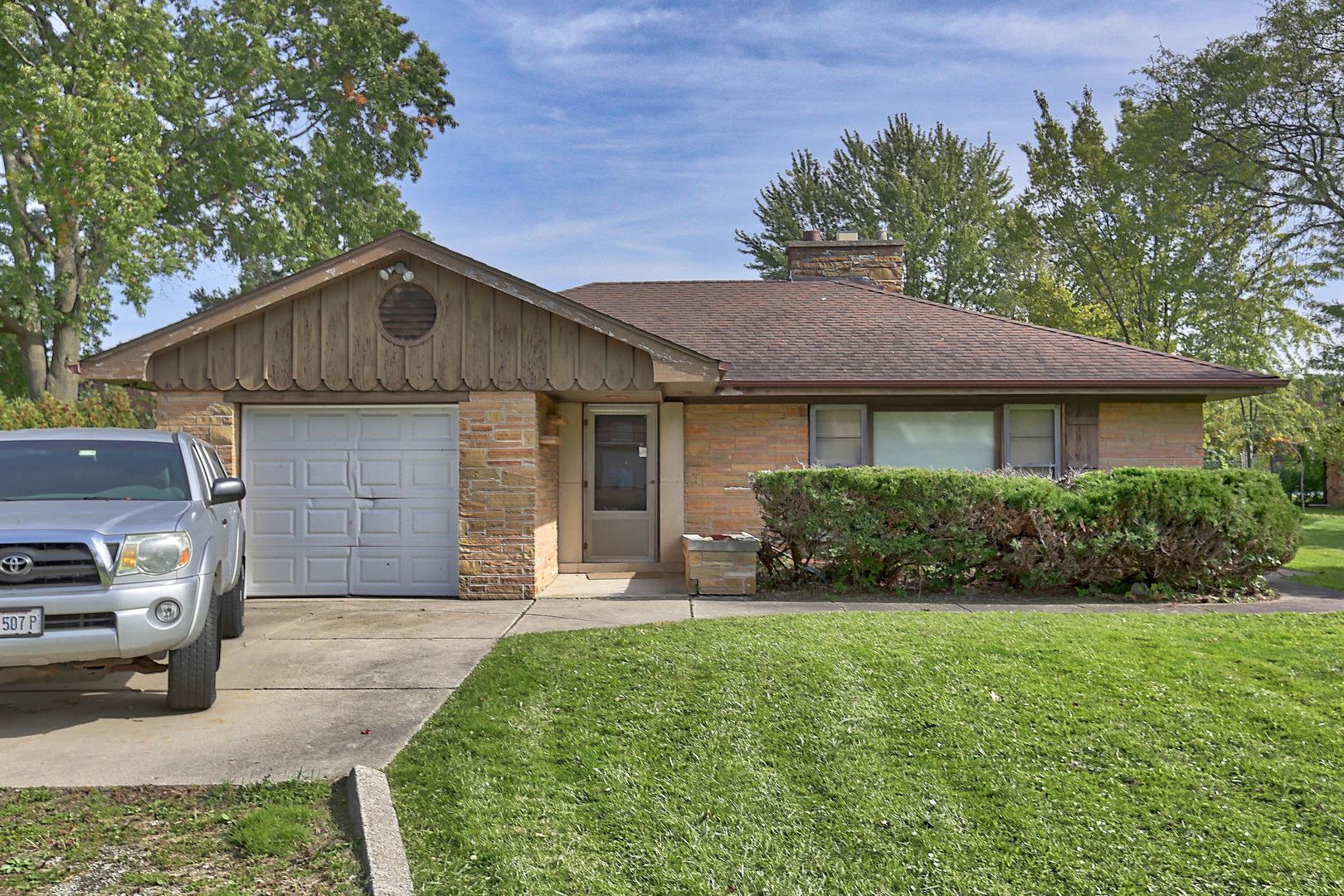 9741 Elm Terrace, Des Plaines in Cook County, IL 60016 Home for Sale