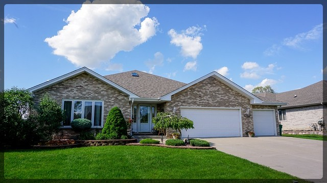 1316 Tralee Lane, Lockport, Illinois