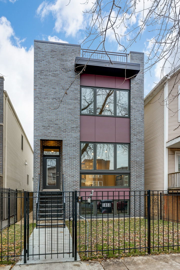 2417 North Talman Avenue, Logan Square, Illinois