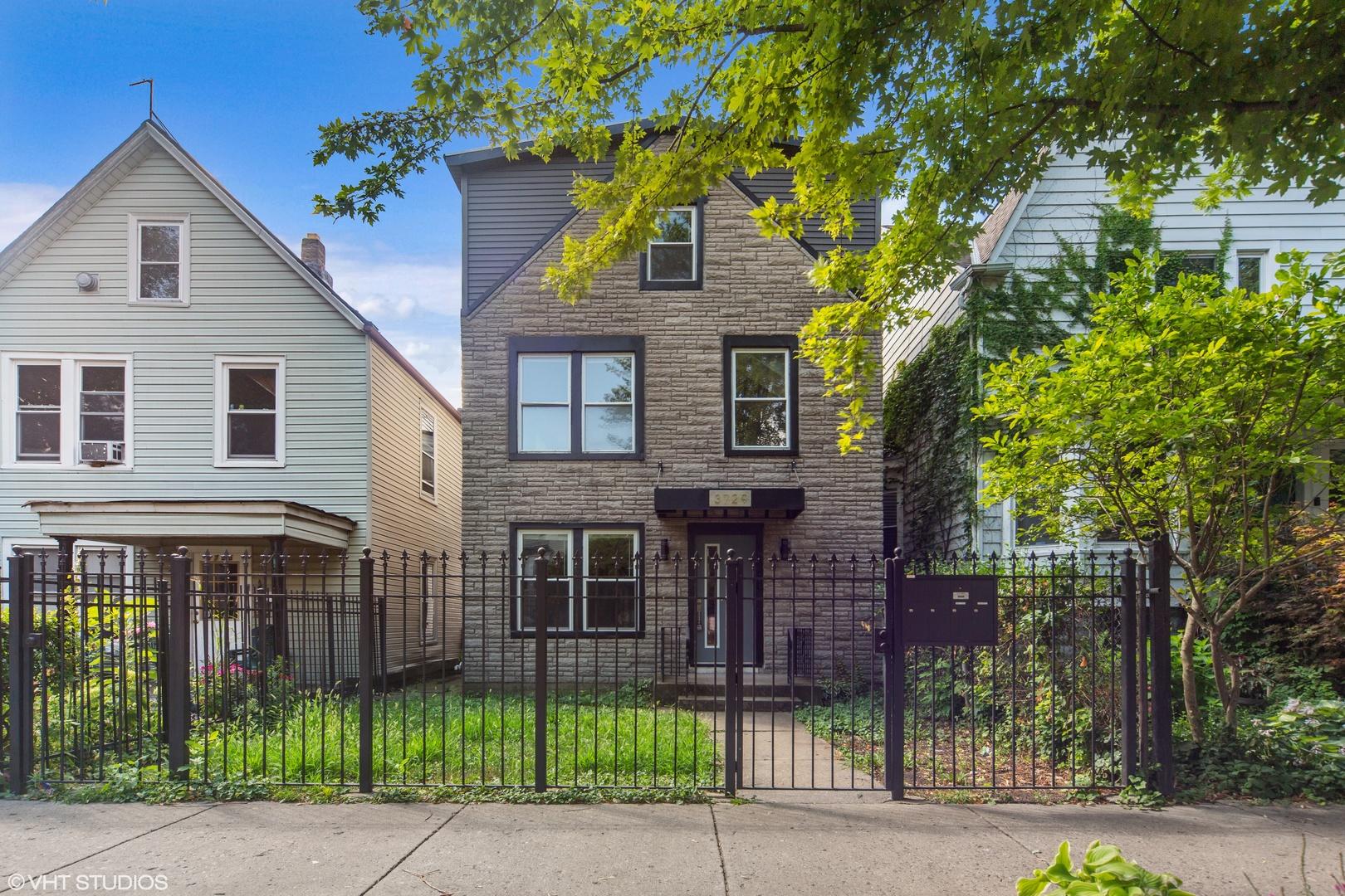 3729 West Palmer Street, Logan Square, Illinois