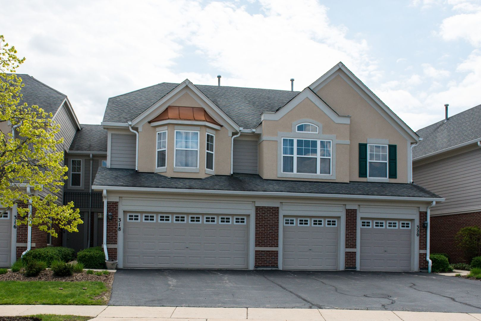 318 PINE LAKE Circle, Vernon Hills, Illinois