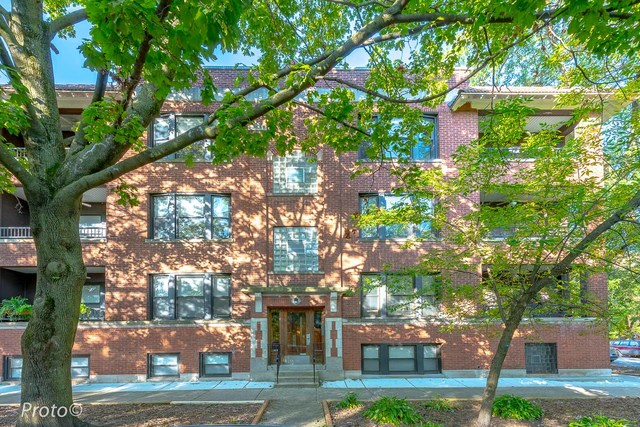 One of Lincoln Square 2 Bedroom Homes for Sale at 4654 North WINCHESTER Avenue