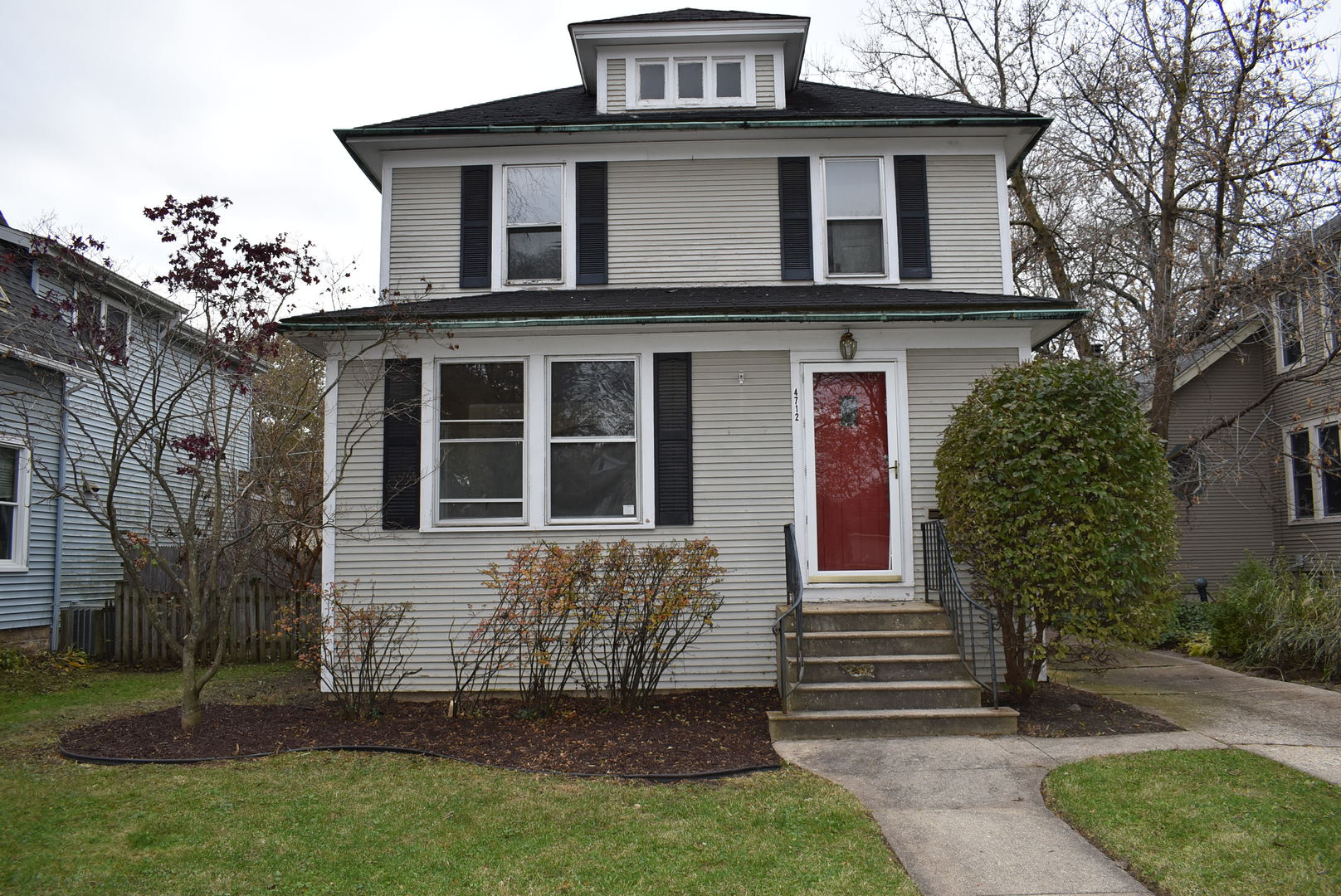 4712 Forest Avenue, Downers Grove, Illinois