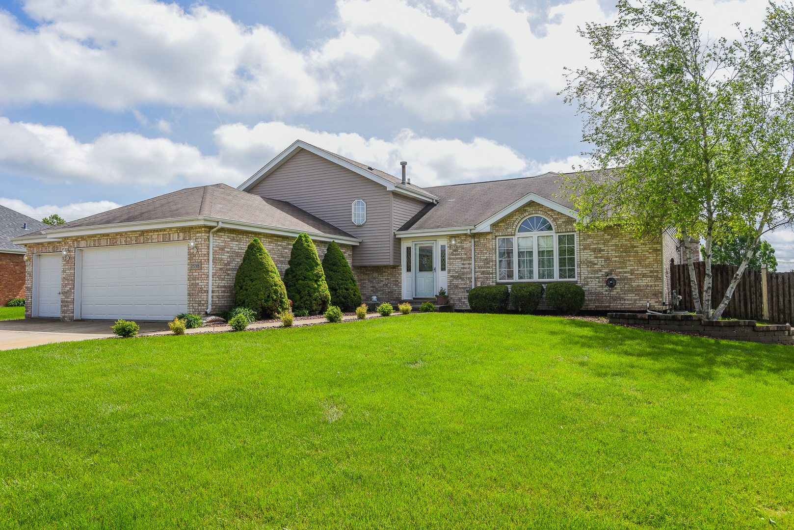 2598 Cattleman Drive, New Lenox in Will County, IL 60451 Home for Sale